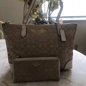 Bundle coach purse & wallet